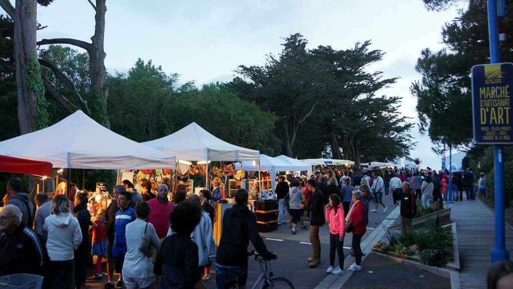 evening-market-notre-dame-de-monts-florianperoud
