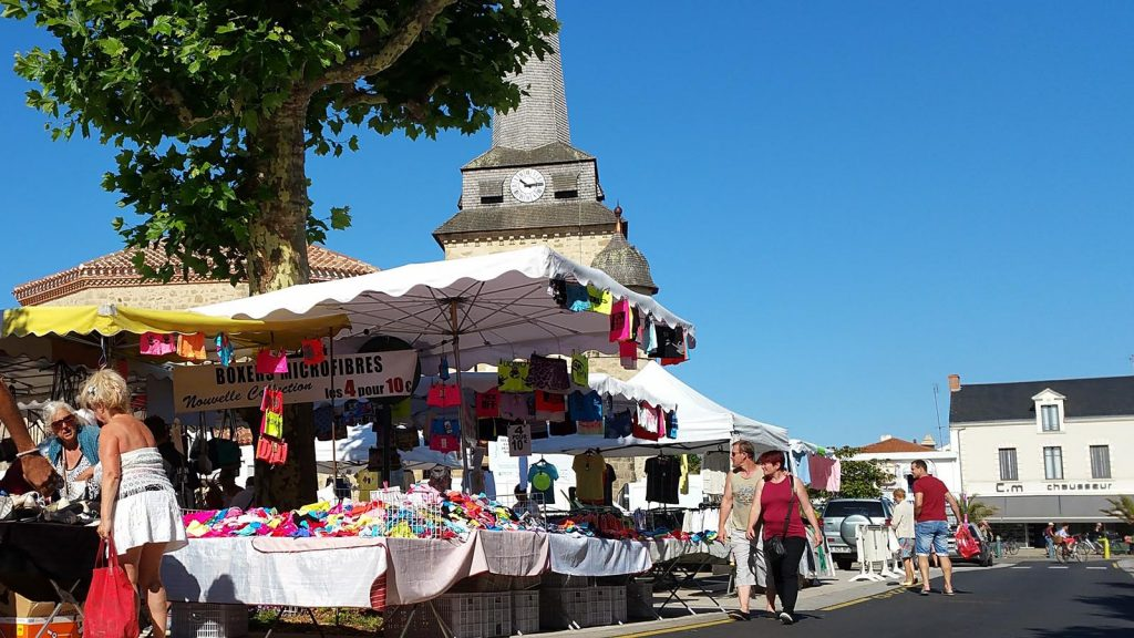 marche-saintjeandemonts-eglise-vendee