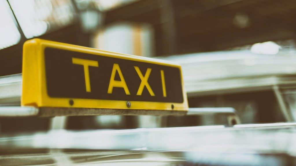 venir en taxi en vendee