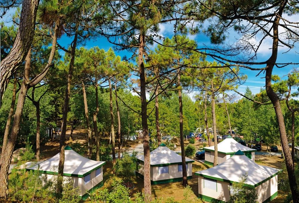camping-a-proximit-saint-jean-de-monts-tente-pinde1-lessirenes