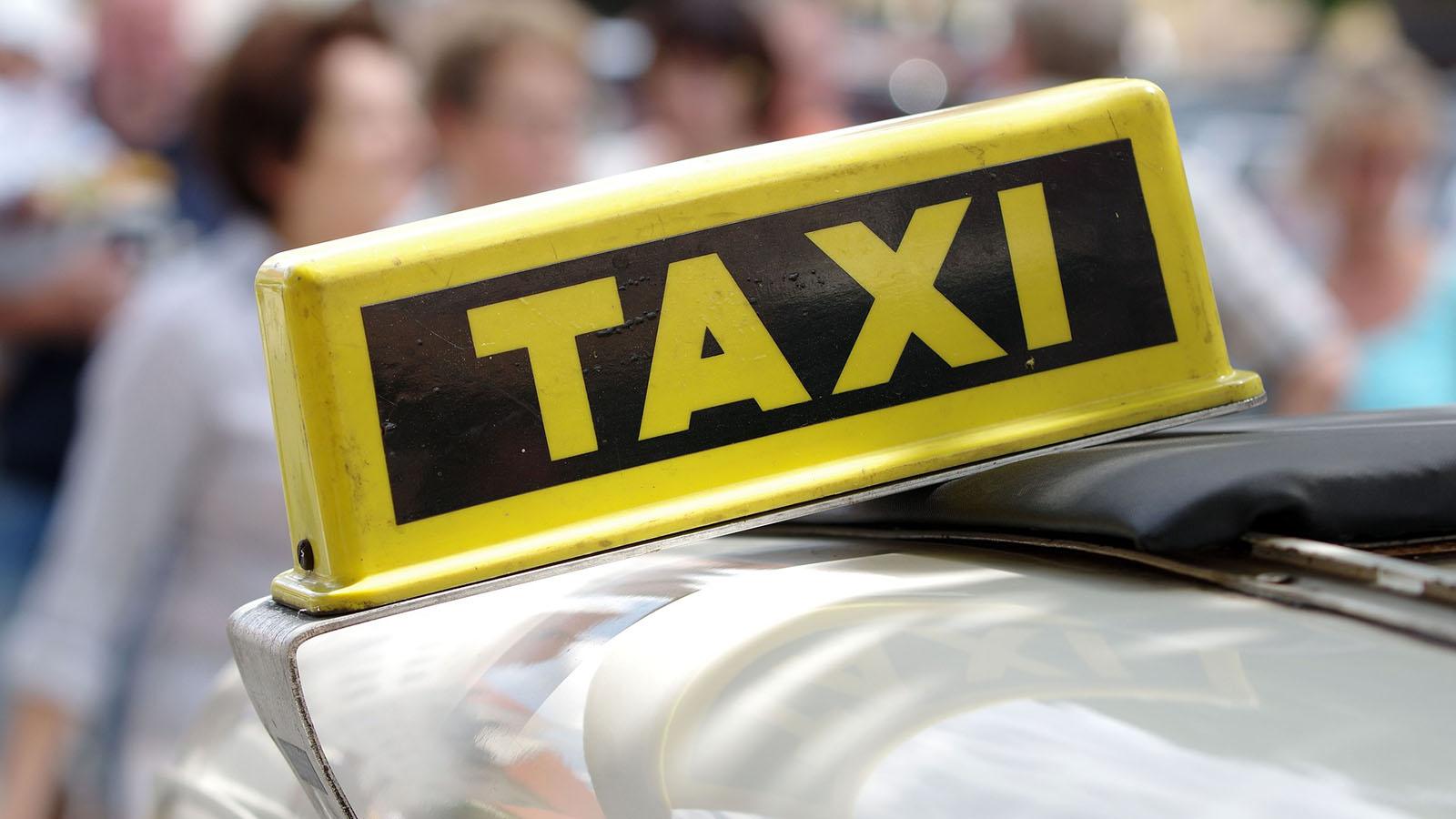 comment-venir-en-taxi-notredamedemonts