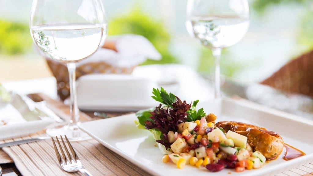 Repas-restaurant-paysdesaintjeandemonts